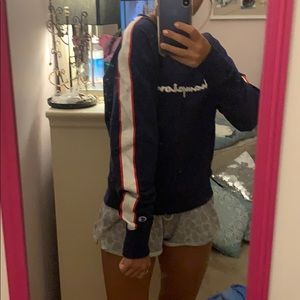 Champion crew neck with ribbon on sleeves